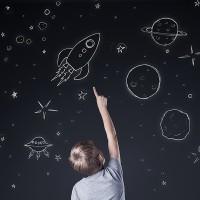 Observar las estrellas, un juego de niños