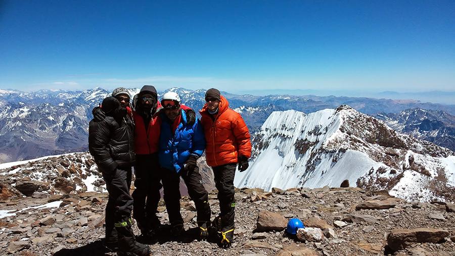 Cima del Aconcagua. Foto: Cumbres en familia