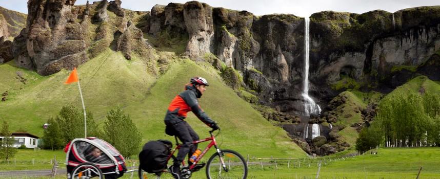 Islandia en familia y a pedales