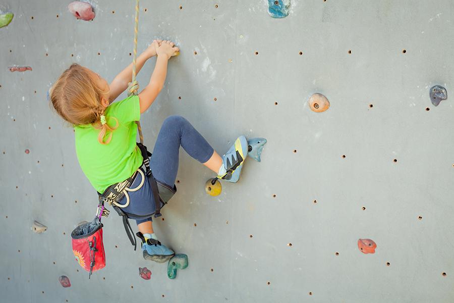 Ideas para regalar a niños aventureros: Escalada