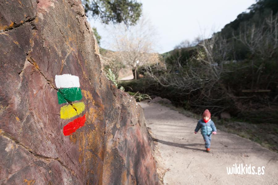 Indicaciones de la ruta en el Barranco de la Caritat