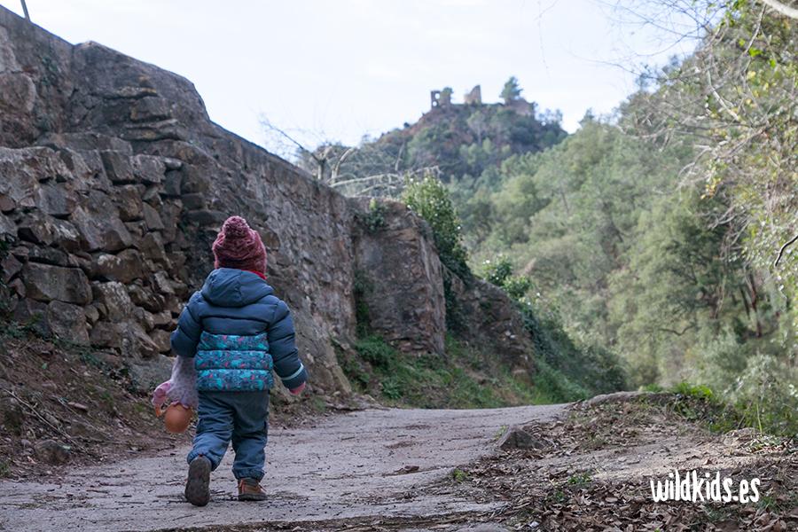 Vistas del Castillo de Aín desde el Moli de l´Arc