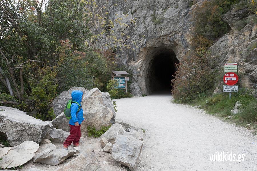 Salida del segundo túnel y final de la ruta
