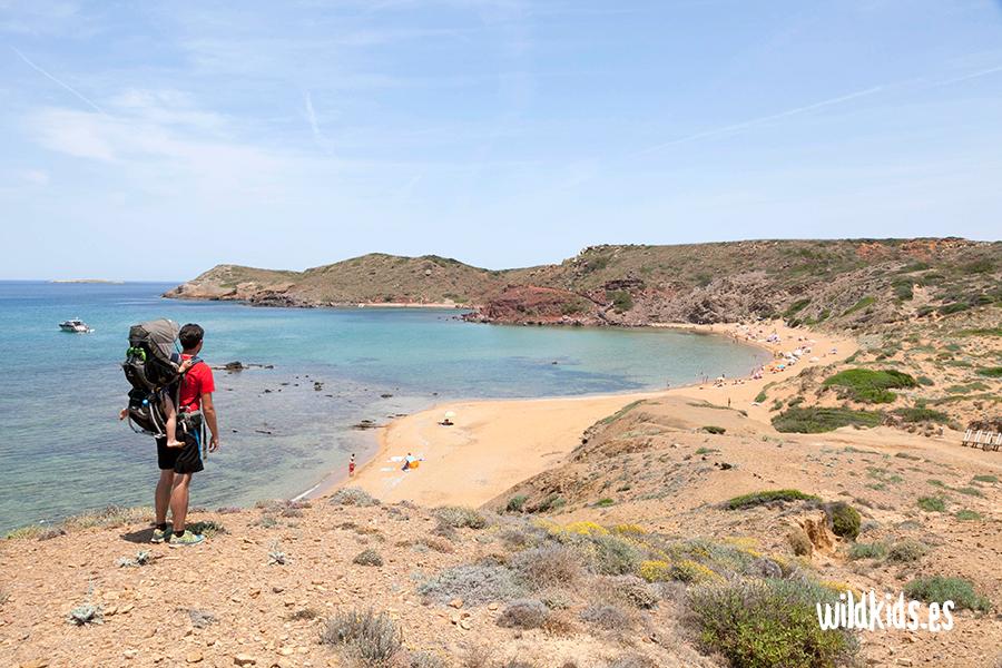 Excursión con niños Menorca. De playa cavalleria a cala mica