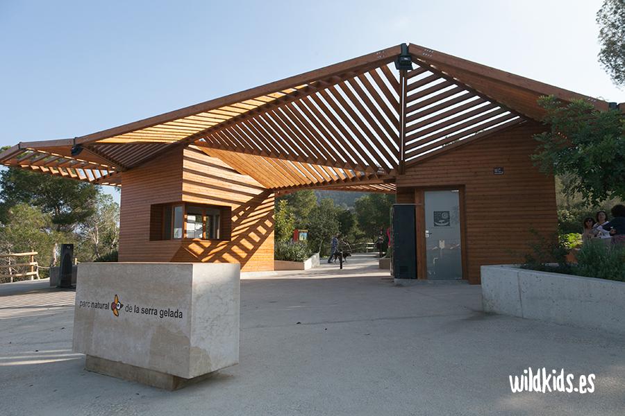 Acceso al Parque Natural de la Serra Gelada