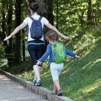 Jugar en la naturaleza: claves para convertir las excursiones con niños en un éxito